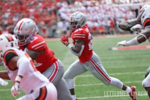 Mike Weber running against Oregon State-Mike Weber-Ohio State Buckeyes-Ohio State running back